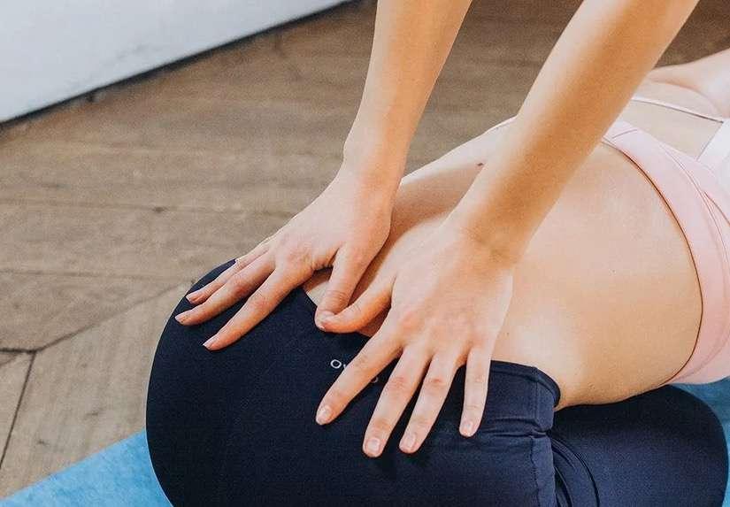 Soulager les douleurs lombaires grâce à l'acupression